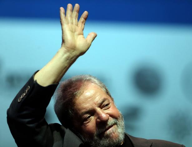 O ex-presidente Luiz Inácio Lula da Silva participa do ato 'Se é público, é para todos', na Fundição Progresso, no Rio de Janeiro