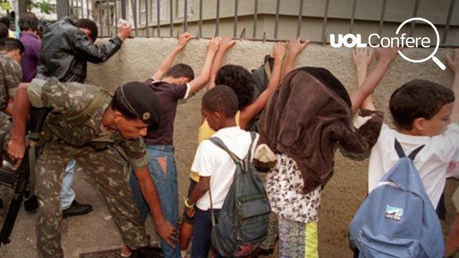 Foto de Márcia Folleto em que militar revista crianças e voltou a circular nas redes sociais - Arte/UOL