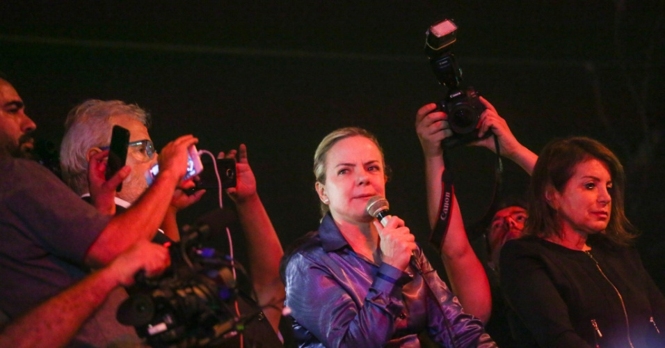 Gleisi Hoffmann, presidente do PT, durante ato em apoio ao ex-presidente Luiz Inácio Lula da Silva (PT) na sede do Sindicato dos Metalúrgicos do ABC, em São Bernardo do Campo