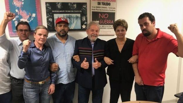 O ex-presidente Lula se reuniu com aliados em São Bernardo