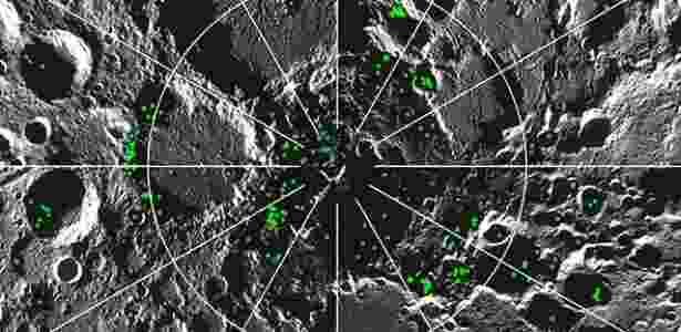 Pontos de gelo de água (em verde) no polo Norte da Lua  - Pnas
