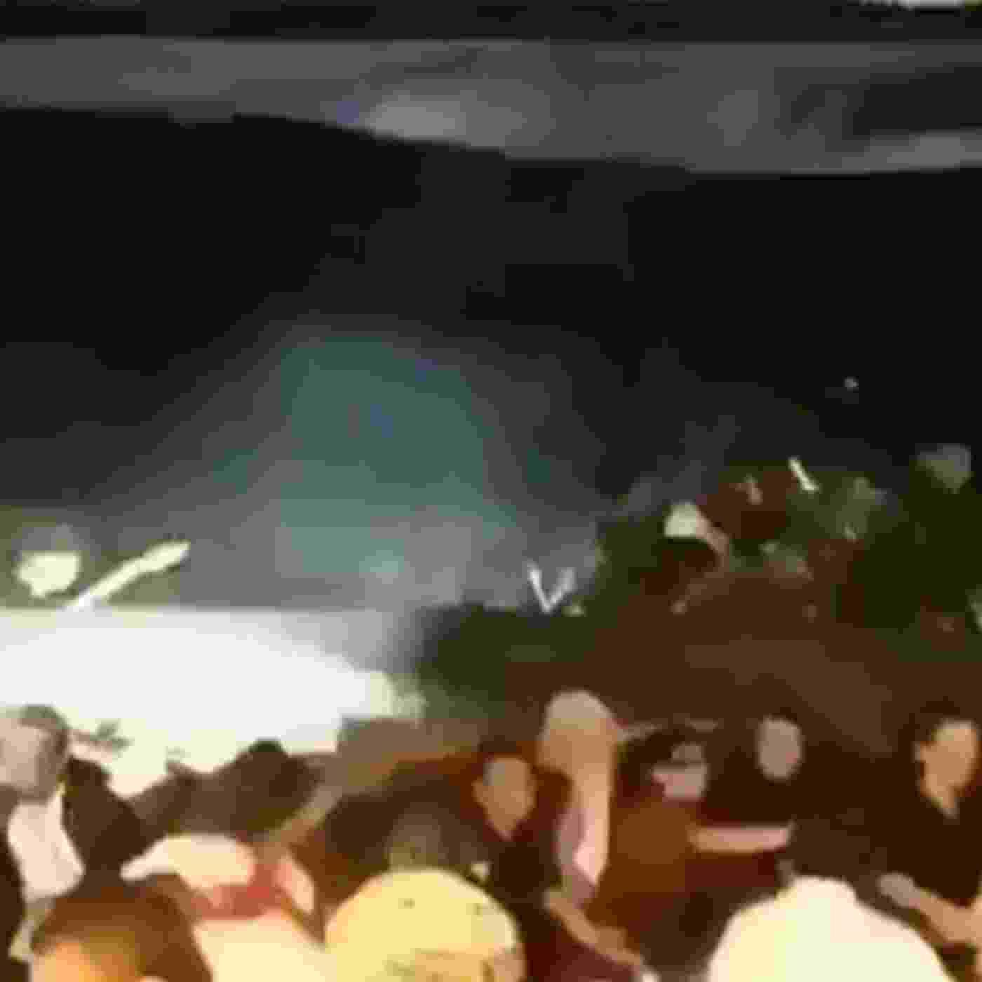 23.dez.2018 - Membros da banda Seventeen morreram em tsunami - Reprodução/Twitter