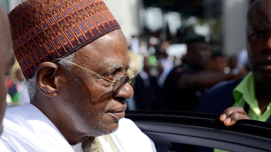 Ex-presidente da Nigéria Shehu Shagari morre aos 93 anos - Pius Utomi EKPEI / AFP
