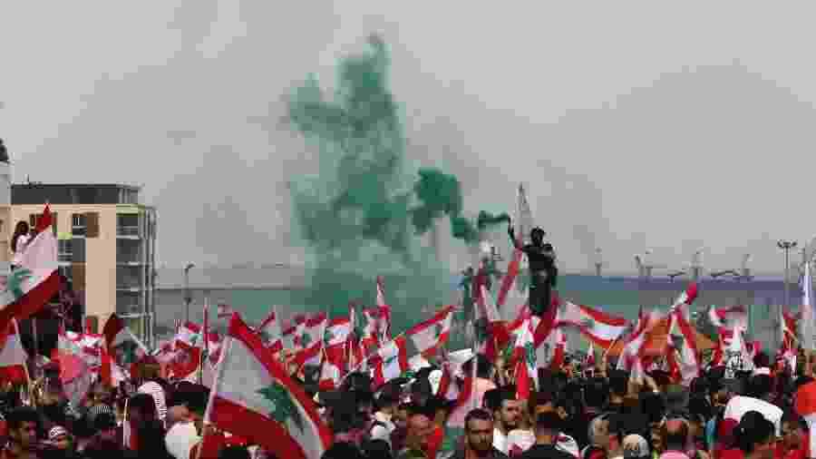 20.out.2019 - Libaneses protestam em Beirute - Patrick Baz/AFP