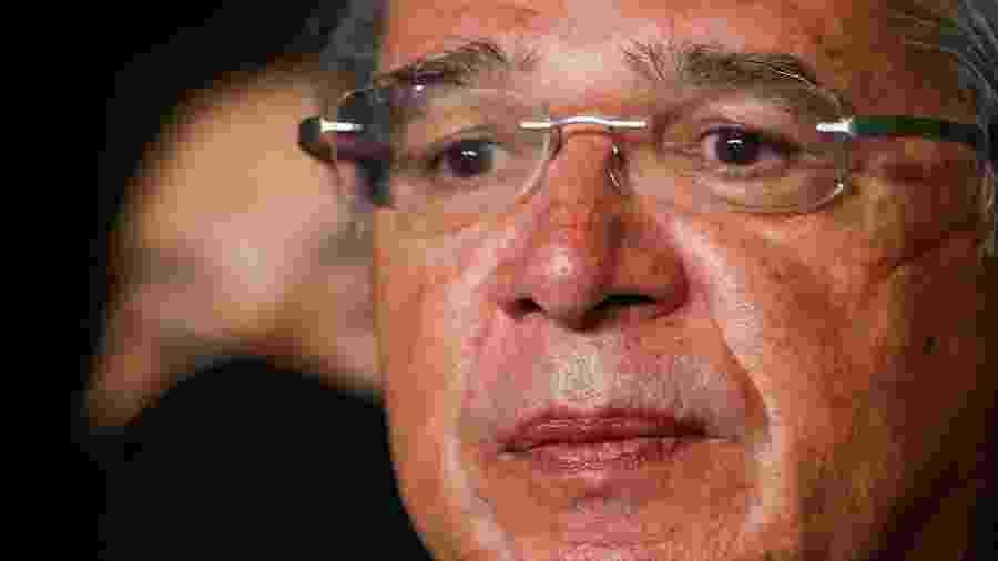Paulo Guedes defende tributação sobre transações financeiras na internet - ADRIANO MACHADO
