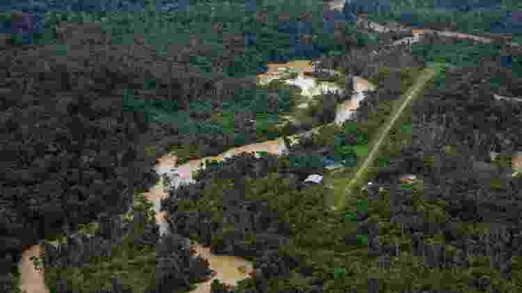 Pista de pouso do Kayanau e o garimpo na sua vizinhança, na Terra Indígena Yanomami, em dezembro de 2020 - Divulgação - Divulgação