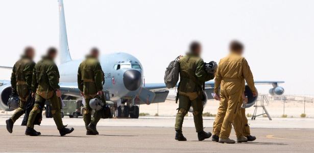 """General francês diz que ataques ao EI causaram """"muito dano"""" a terroristas - ECPAD/Efe/Divulgação"""