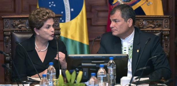 Dilma Rousseff e  o presidente do Equador, Rafael Correa  - Rodrigo Buendia/AFP