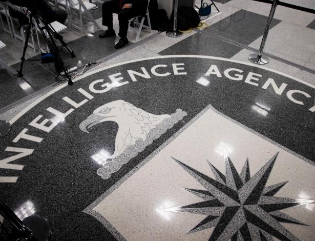 Selo da CIA na sede da agência em Langley, Virgínia