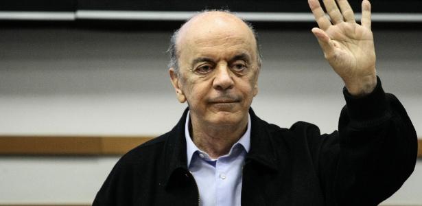O senador José Serra participa de seminário do PSDB em Barueri (SP)