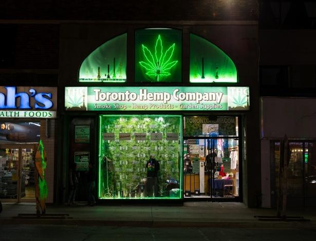 Loja vende produtos para cultivo de maconha, em Toronto, no Canadá