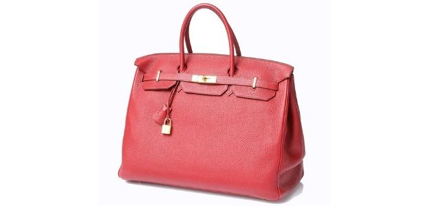 """A bolsa Hermés """"Birkin"""" é o item mais caro do leilão, com lance inicial de R$ 20 mil"""