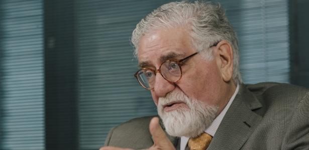 O jurista e ex-ministro Celso Lafer, em seu escritório em São Paulo
