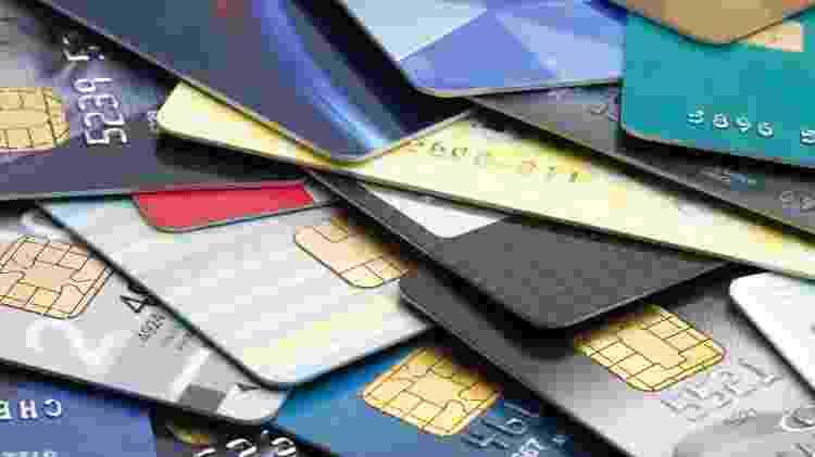 cartões, cartão de crédito, bancos, dívida, endividamento, faturam, finanças - bernie_photo/Getty Images/iStockphoto - bernie_photo/Getty Images/iStockphoto