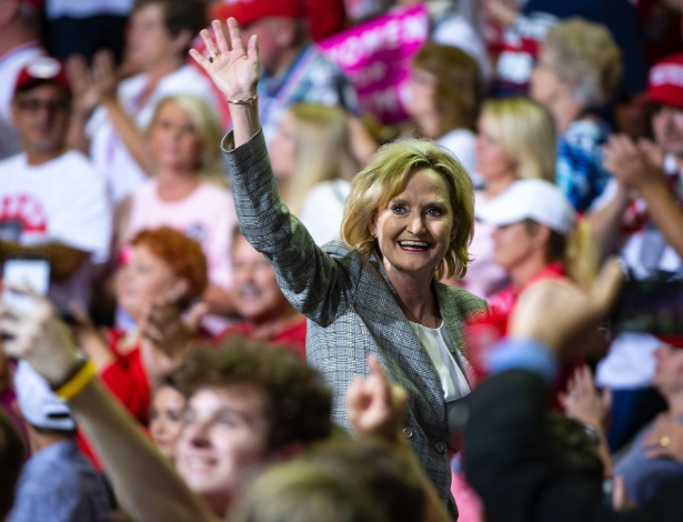 Senadora republicana Cindy Hyde-Smith