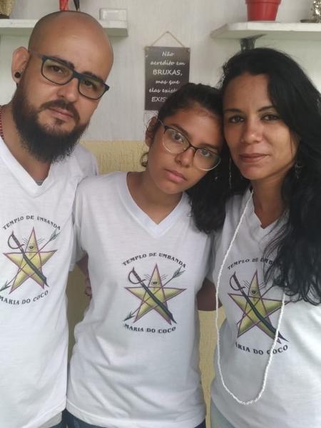Verônica Zanetta Avelino Passos, 14, estudante da escola Raul Brasil, e seus pais - Arquivo pessoal