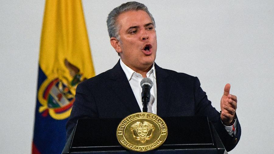 Arquivo - Presidente disse que é preciso manter o uso de máscaras, distanciamento físico, lavar as mãos e evitar multidões - Juan Barreto/AFP