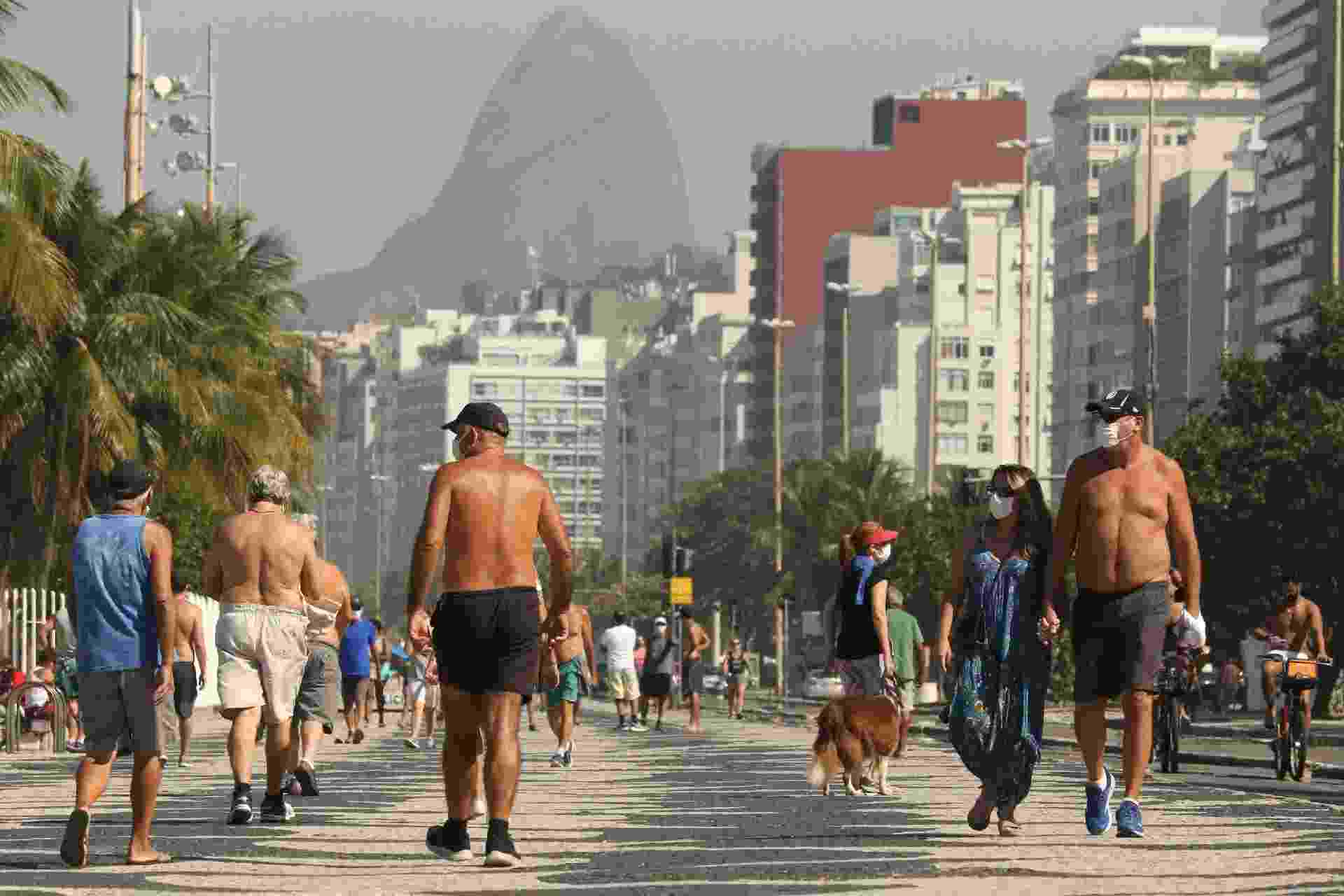 Praias e calçadão do Rio ficam movimentadas em 1º dia de flexibilização - DIKRAN JUNIOR/AGIF - AGÊNCIA DE FOTOGRAFIA/ESTADÃO CONTEÚDO