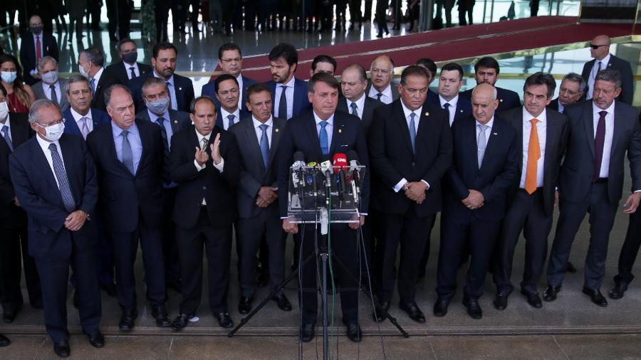 28.set.2020 - O presidente Jair Bolsonaro, acompanhado de ministros e líderes do governo e partidários, anuncia o Renda Cidadã, substituto do Renda Brasil - Pedro Ladeira/Folhapress