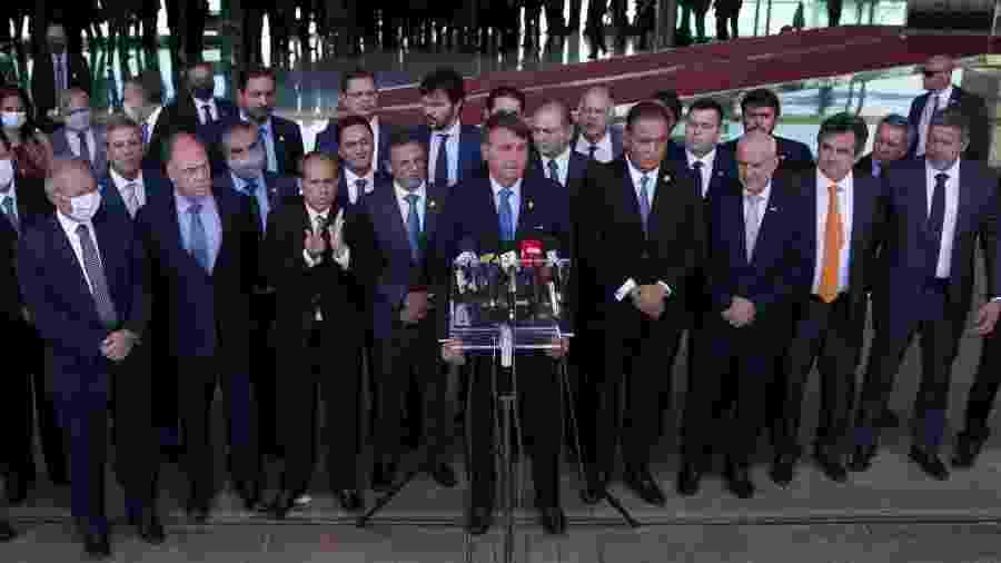 28.set.2020 - O presidente Jair Bolsonaro, acompanhado de ministros e líderes do governo, anuncia o Renda Cidadã, substituto do Renda Brasil - Pedro Ladeira/Folhapress