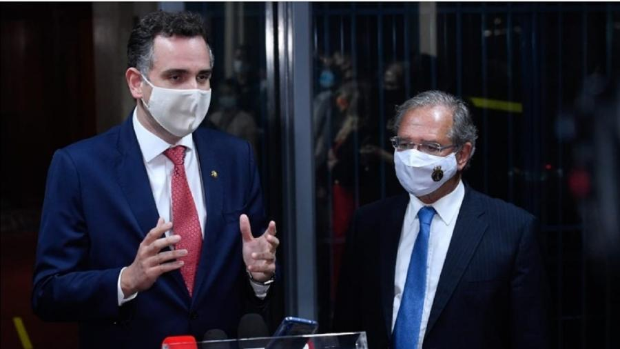O presidente do Senado, Rodrigo Pacheco (à esquerda), e o ministro da Economia, Paulo Guedes - Marcos Brandão/Senado Federal