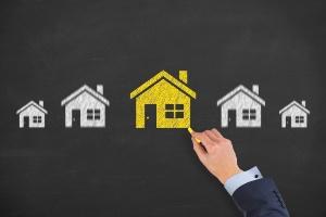 Casa própria em risco: veja 5 casos que podem fazer você perder o imóvel (Foto: Getty Images/iStockphoto)