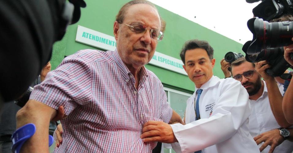 22.dez.2017 - O deputado federal Paulo Maluf deixa o Instituto Médico Legal (IML) em Brasília (DF), nesta sexta-feira (22), para cumprir pena na Papuda, após fazer exame de corpo de delito