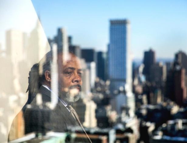 Larry English, um advogado foi contra a vontade de seu cliente durante um júri, posa para foto no One Penn Plaza em Nova York