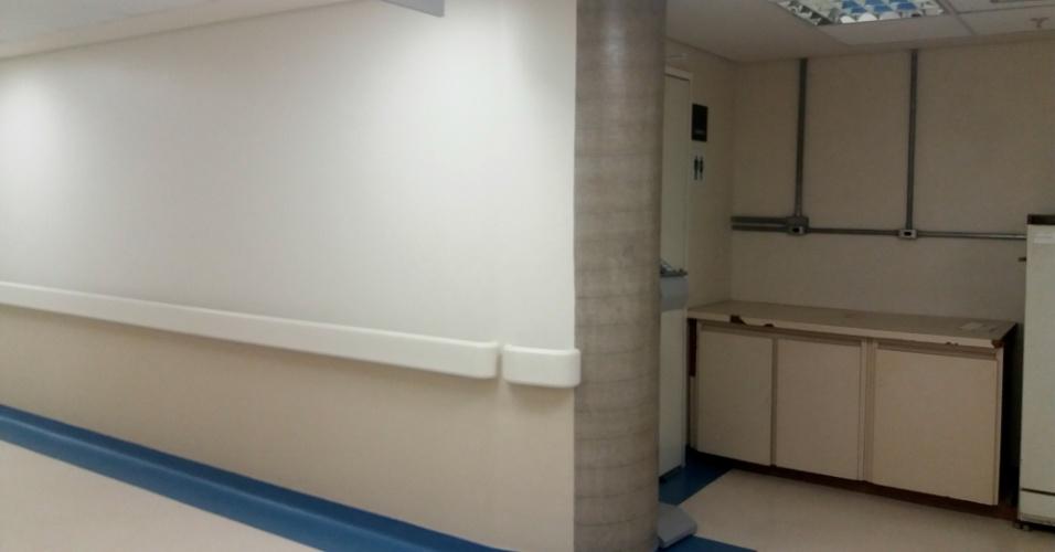 A reportagem entrou no novo prédio e encontrou alguns consultórios já prontos