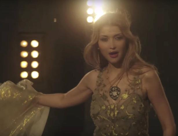 Gulnara Karimova também é cantora e se apresenta com o nome de Googoosha