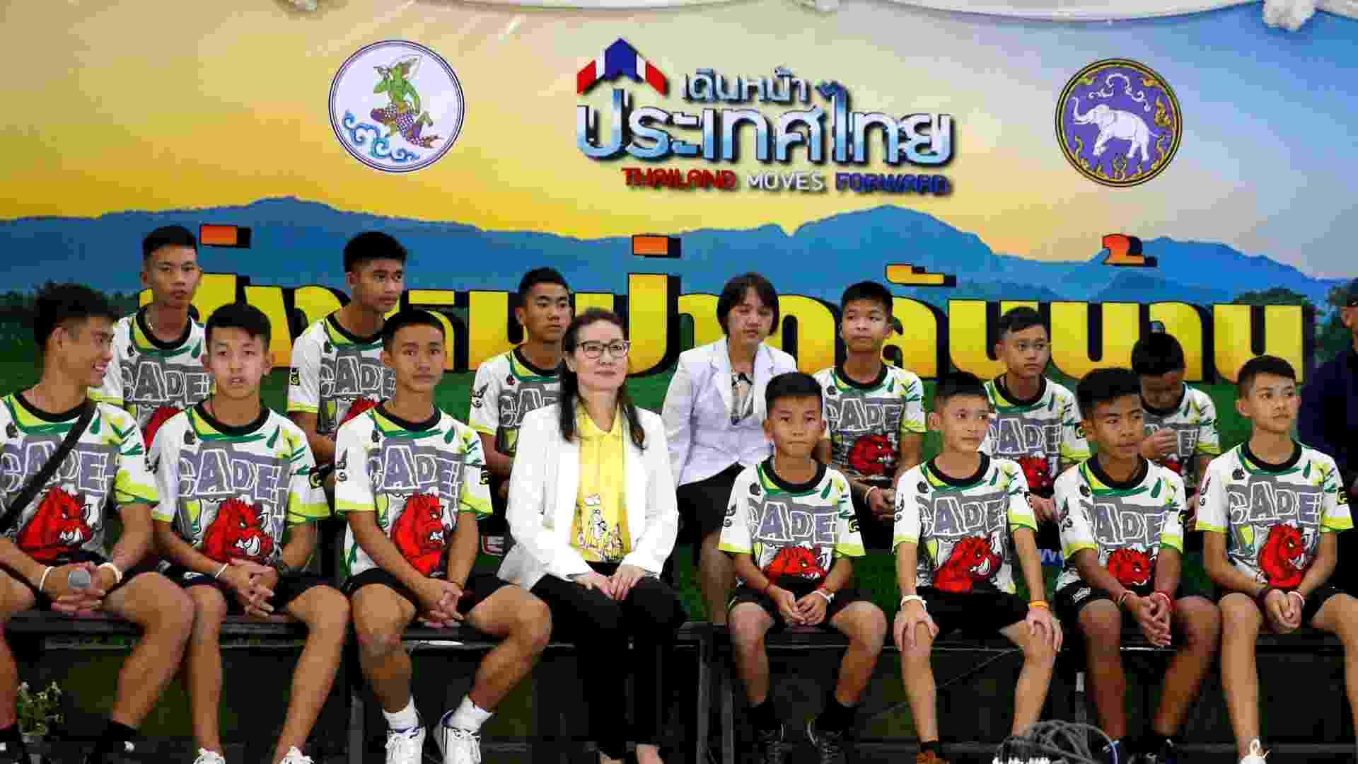 18.jul.2018 - Grupo resgatado de caverna na Tailândia em sua primeira entrevista coletiva na província de Chiang Rai - REUTERS/Soe Zeya