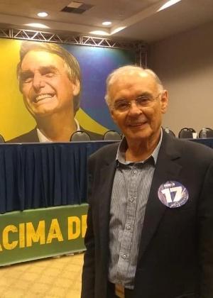 11.out.2018 - Arolde de Oliveira participou de reunião de Bolsonaro com deputados no Rio