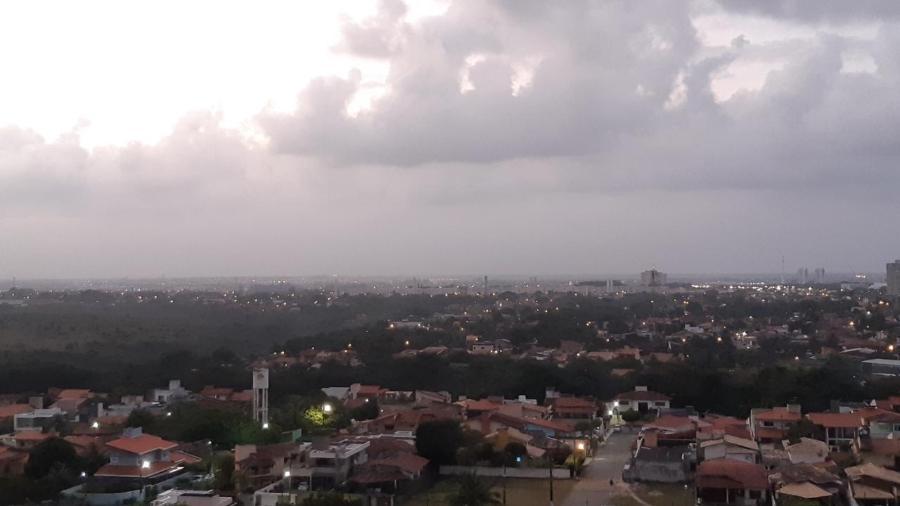 Fumaça da África chega a capitais do Nordeste como Maceió - Carlos Madeiro/UOL