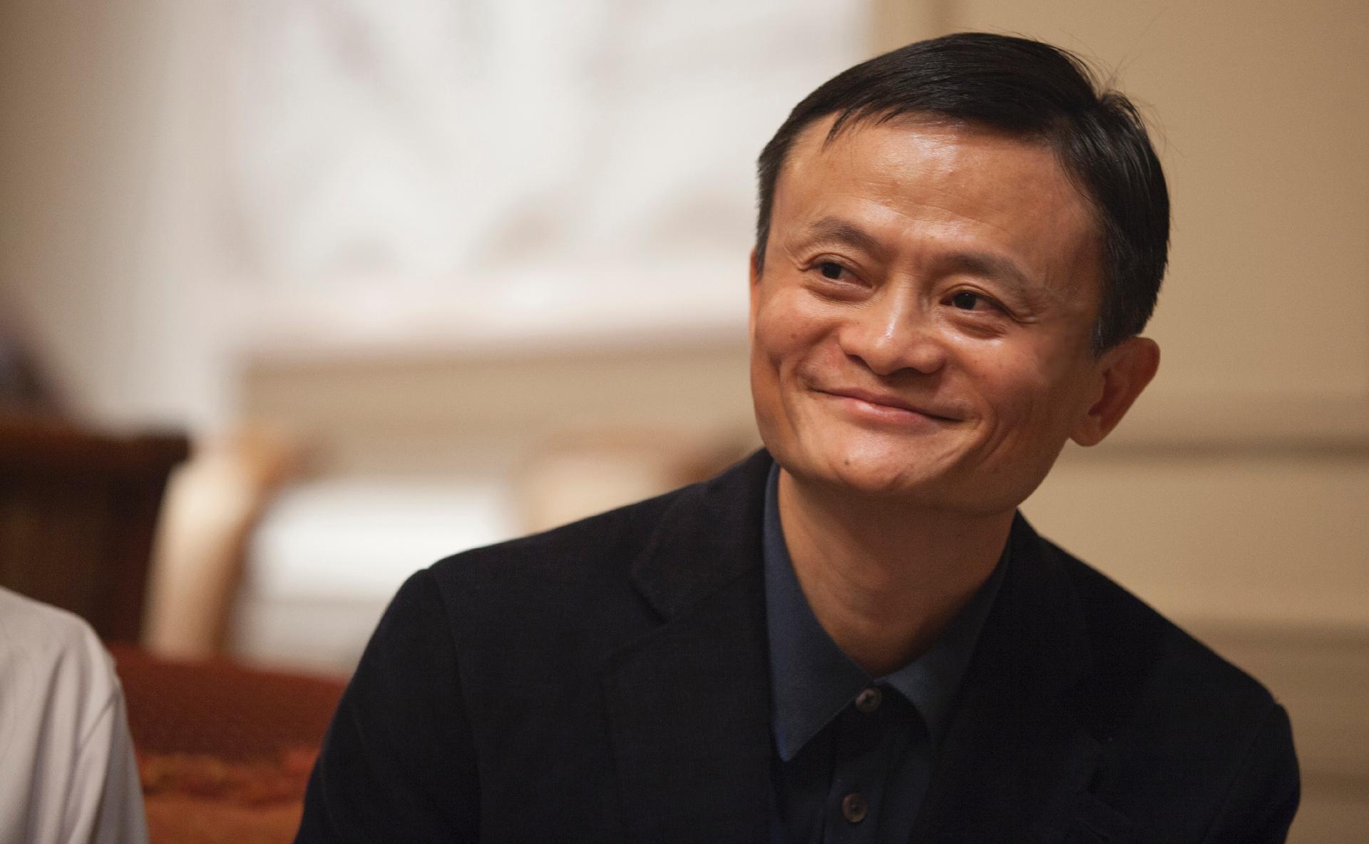 """Jack Ma: Fundador da Alibaba não sumiu e só está """"calado"""", diz TV"""