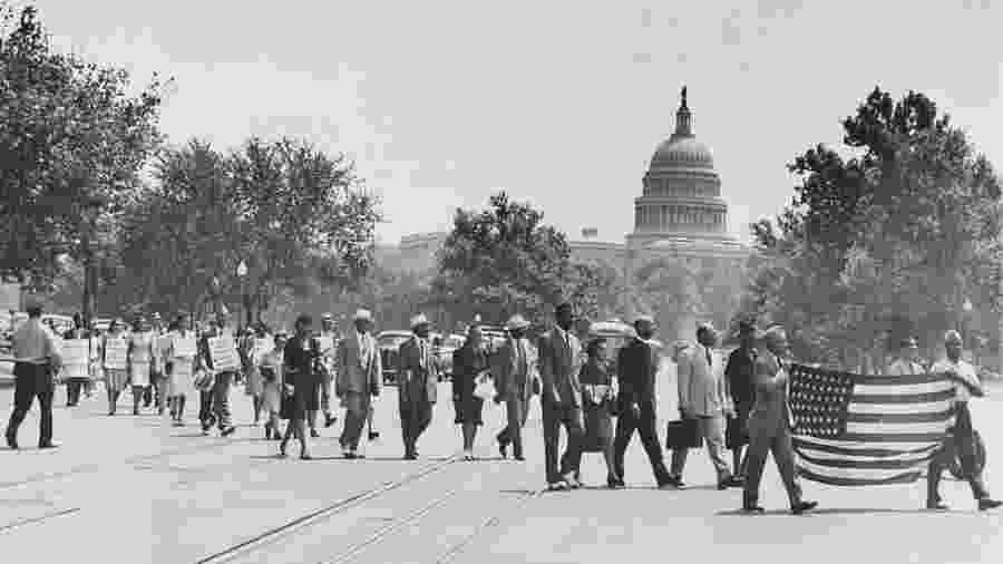 Protesto em 1946, em Washington, contra linchamentos no Sul do país - Library of Congress