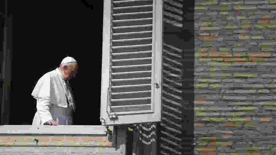 Papa Francisco abençoa Praça São Pedro vazia - Alberto PIZZOLI / AFP