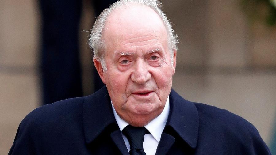 Acerto de 4 milhões de euros se baseou em 8 milhões de euros de bens e serviços que o ex-rei Juan Carlos recebeu - Francois Lenoir