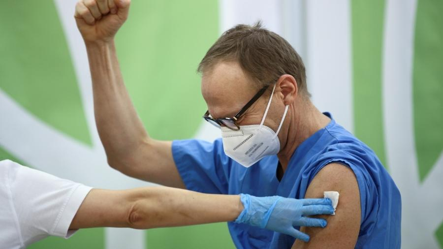 Mutações verificadas no Reino Unido e na África do Sul são apontadas como obstáculos ao controle da pandemia - Lisi Niesner/Reuters