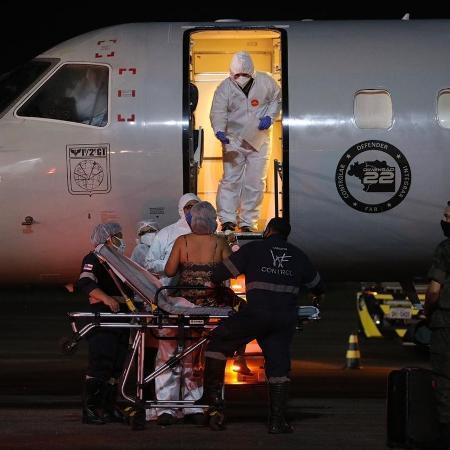 Paciente com covid-19 é removida do Amazonas para Curitiba - Davis Alberto/Secom/Divulgação
