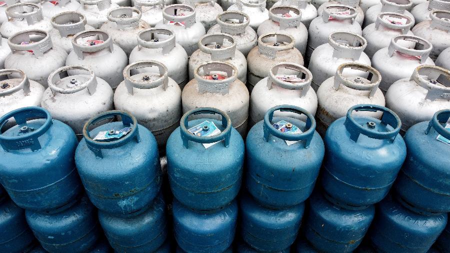 Gás de cozinha subiu mais 1,5% esta semana, sendo encontrado a R$ 130 (13 quilos) na região Centro-Oeste - Dirceu Portugal/Fotoarena/Estadão Conteúdo
