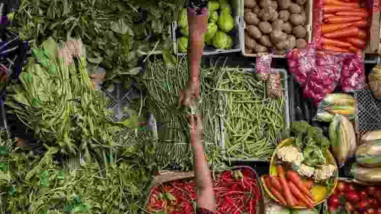 Os consumidores não só têm de pagar mais caro por cada alimento, mas também têm renda que vale menos. - Edmund Lowe Photography - Edmund Lowe Photography