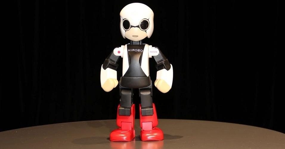Kirobo: inspirado no famoso personagem de animação japonês Astro Boy, Kirobo foi enviado em 2013 à Estação Espacial Internacional (ISS, na sigla em inglês) com a missão de fazer companhia e interagir com o astronauta Kochi Wakata, e, desde então, virou um astro. Com 34 centímetros e pesando aproximadamente um quilo, o robô consegue reconhecer vozes e rostos e interagir com pessoas. Ele faz parte de um estudo que investiga como máquinas podem prestar apoio emocional para pessoas que ficam isoladas por longos períodos
