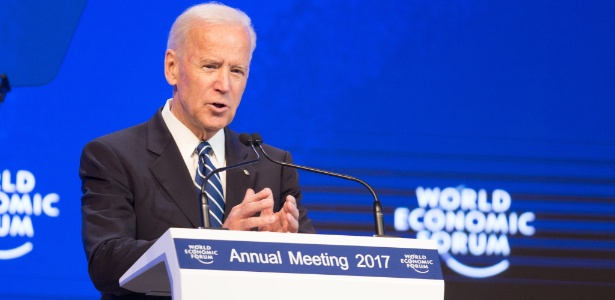 """Joe Biden alertou de uma """"perigosa disposição para voltar a uma mentalidade política estreita"""""""