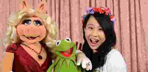 A adolescente tem interesse pelas artes e já entrevistou vários personagens famosos - de Morgan Freeman aos Muppets - Cassandra Hsiao - Cassandra Hsiao