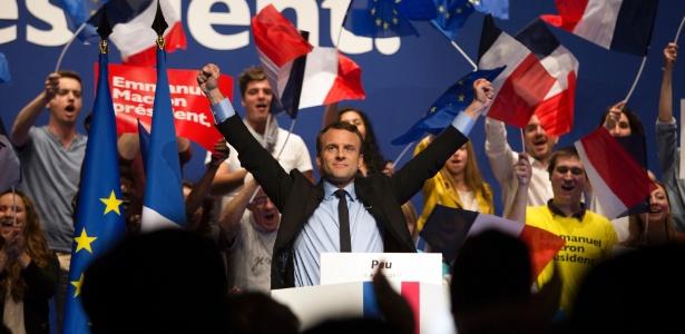 Emmanuel Macron durante campanha em Pau, na França
