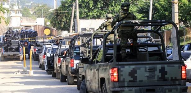 6.jul.2017 - Forças de segurança chegam a prisão após confrontos entre detentos em Acapulco, no México
