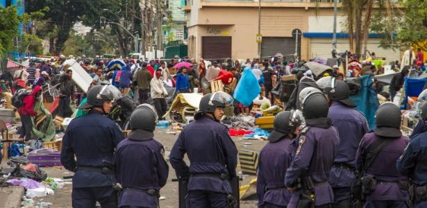 A GCM (Guarda Civil Metropolitana), com o apoio da PM (Polícia Militar), realiza operação na manhã desta quinta-feira (31) na cracolândia, no centro de São Paulo. De acordo com o Copom (Centro de Operações da Polícia Militar), 70 policiais deram apoio à operação - Joca Duarte/Estadão Conteúdo