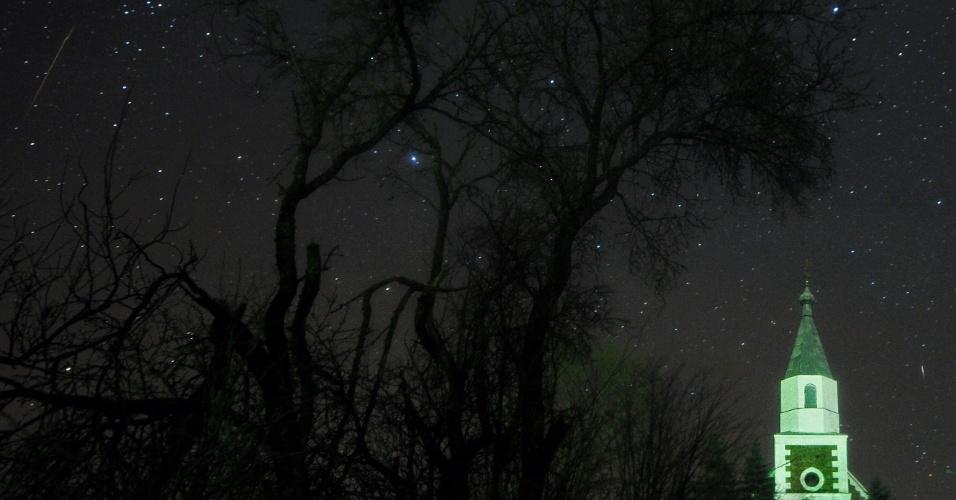 14.dez.2017 - A Organização Internacional de Meteoros informou que este ano o fenômeno pode ser melhor observado devido ao fato de a lua estar minguante, deixando o céu mais escuro que no ano passado, quando a lua estava cheia