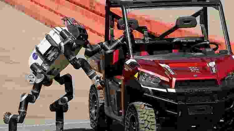 Russell diz que os seres humanos precisam recuperar o controle da inteligência artificial - antes que seja tarde demais - Getty Images - Getty Images