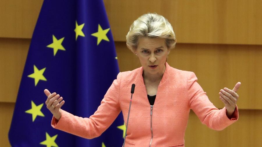 Presidente da Comissão Europeia, Ursula von der Leyen; órgão prevê que PIB da zona do euro caíra 7,8% este ano  -